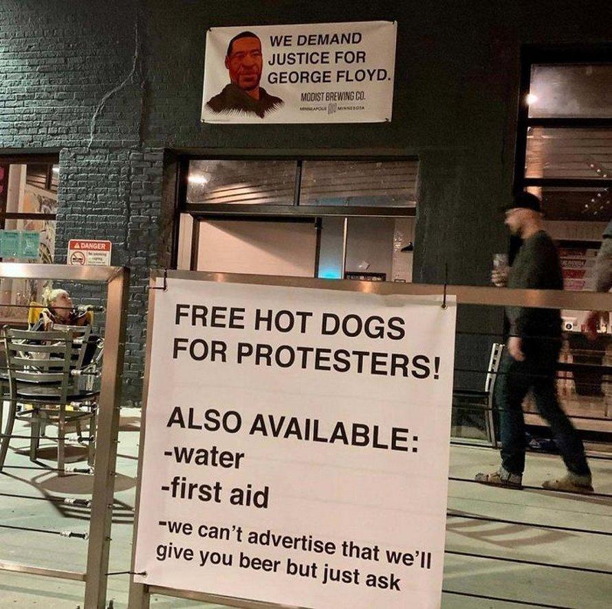 Voici des photos qui montrent l'autre côté des manifestations de George Floyd que les grands médias hésitent à partager