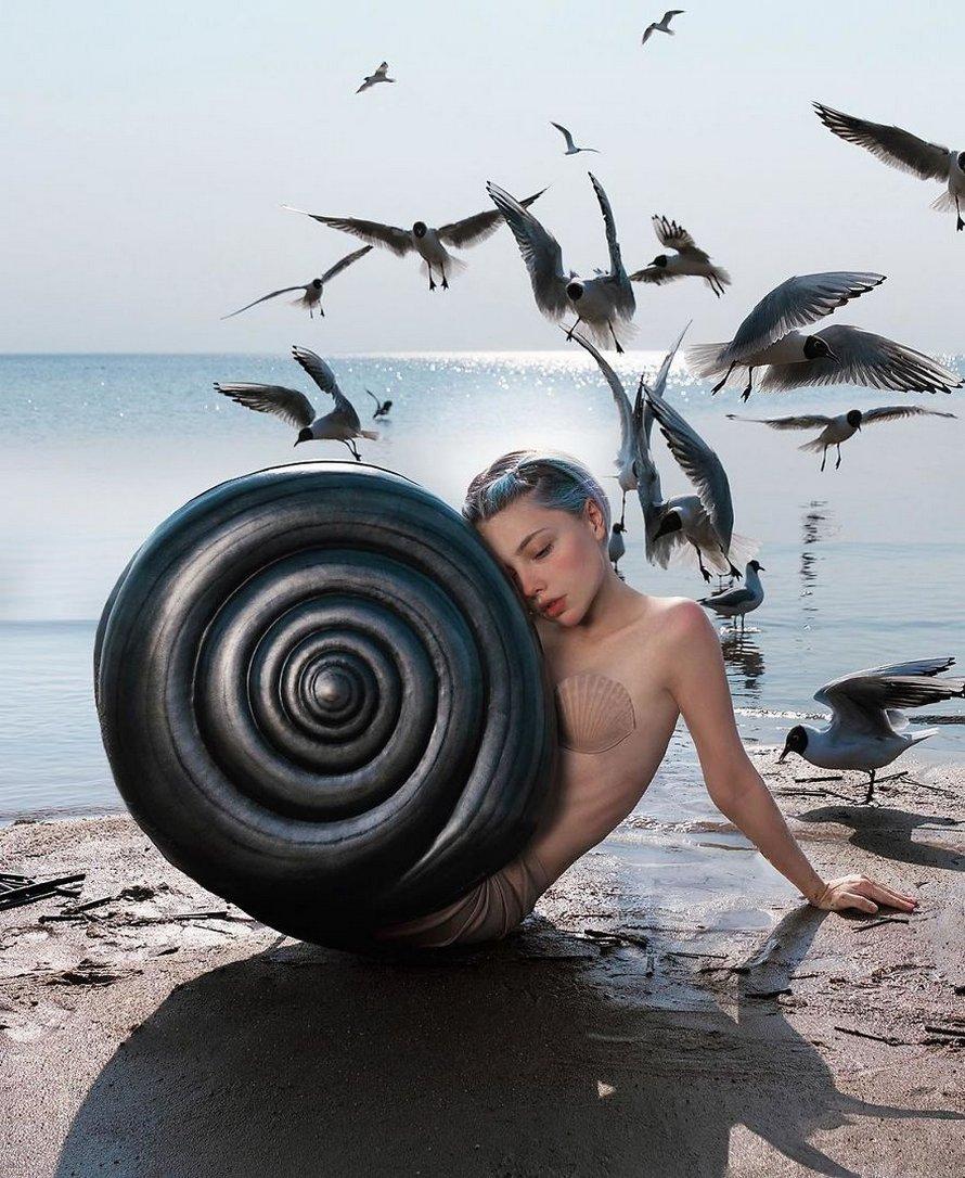 Une artiste russe a gagné 4,5 millions d'admirateurs en prenant des photos bizarres qui suscitent la réflexion et voici ses 23 meilleures créations