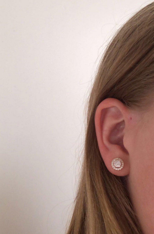 Les gens se rendent compte que ces petits trous au-dessus de leurs oreilles pourraient avoir une explication évolutive
