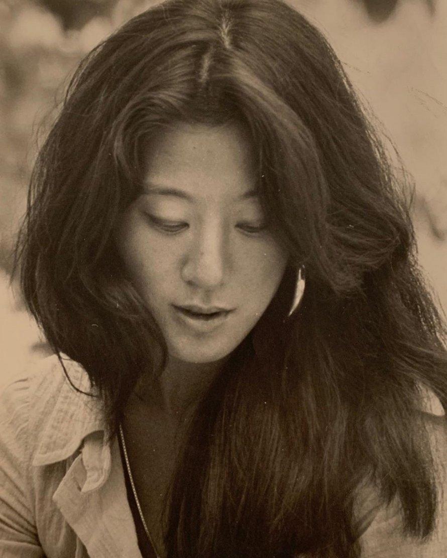 Vera Wang célèbre son 71e anniversaire en publiant des photos qui font tomber les mâchoires