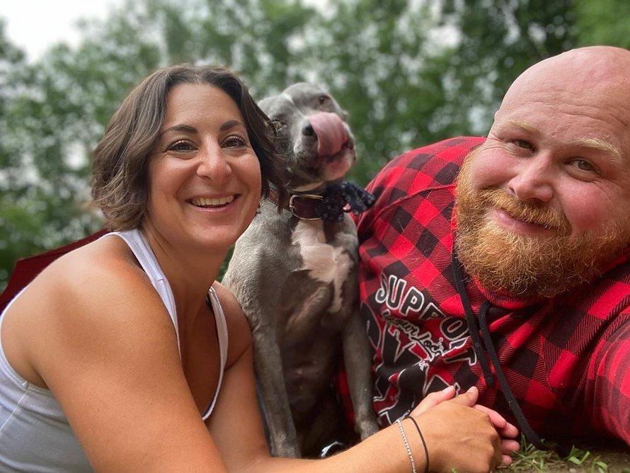 Un couple dépense 55000$ pour personnaliser sa maison afin d'offrir la meilleure qualité de vie possible à 20 chiens âgés et ayant des besoins particuliers