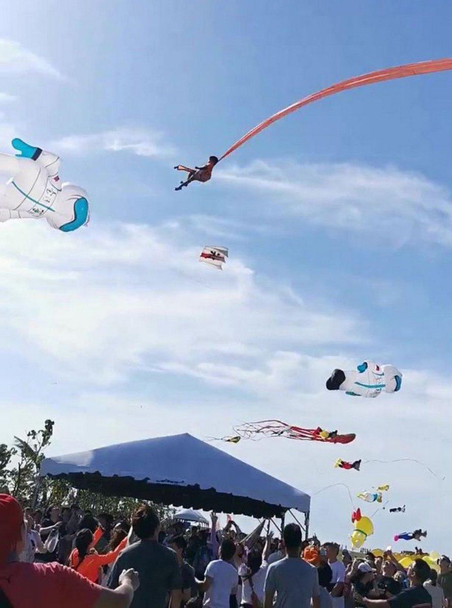 Une petite fille de 3 ans est soulevée à 30 mètres dans les airs par un cerf-volant