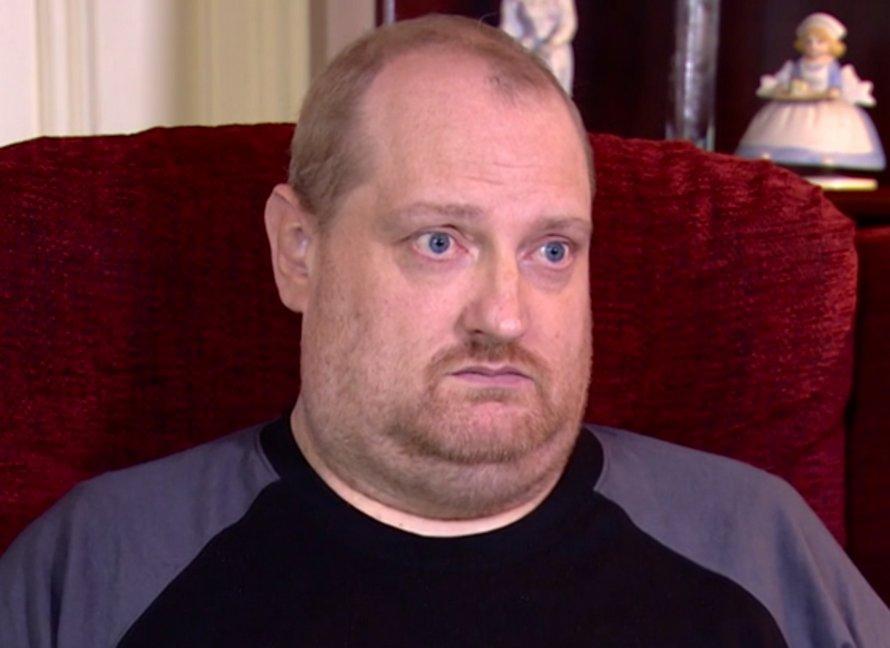 Un homme sort d'un coma causé par le Covid-19 et découvre que sa famille a été tuée par le coronavirus