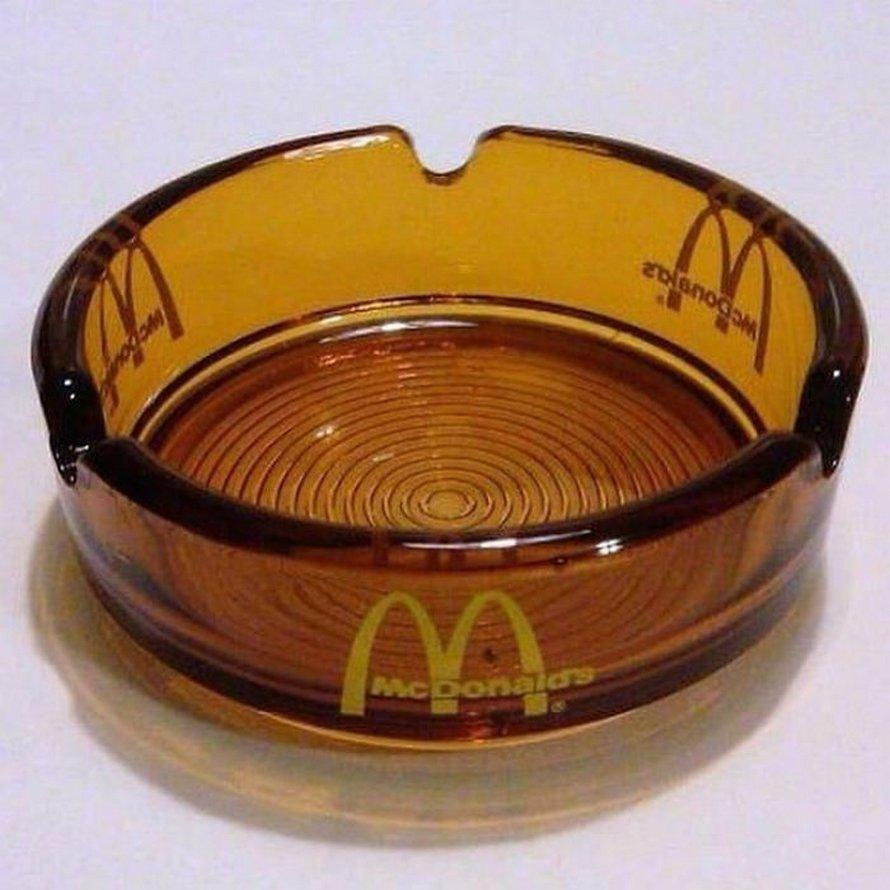 22 photos de McDonald's dans les années 80 et 90 qui montrent à quel point les choses ont changé