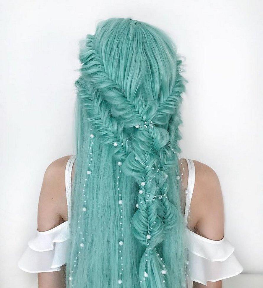 Cette adolescente allemande crée des coiffures complexes et voici ses 22 plus belles créations