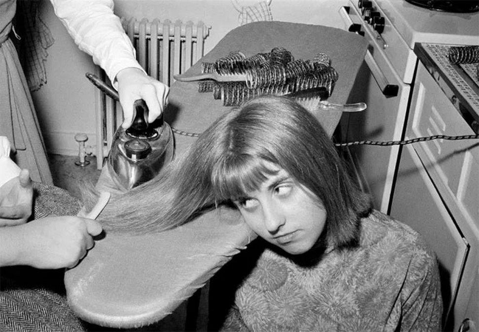 22 choses bizarres que les femmes faisaient dans le passé au nom de la beauté