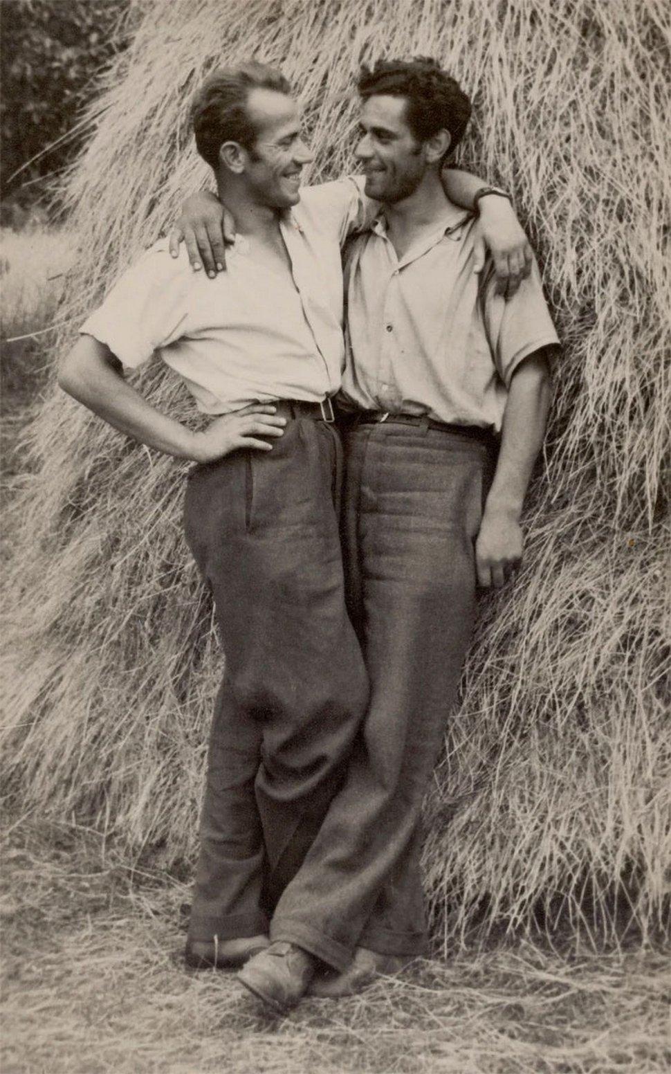Ces vieilles photos de couples d'hommes montrent ce que les livres d'histoire semblent parfois «oublier»