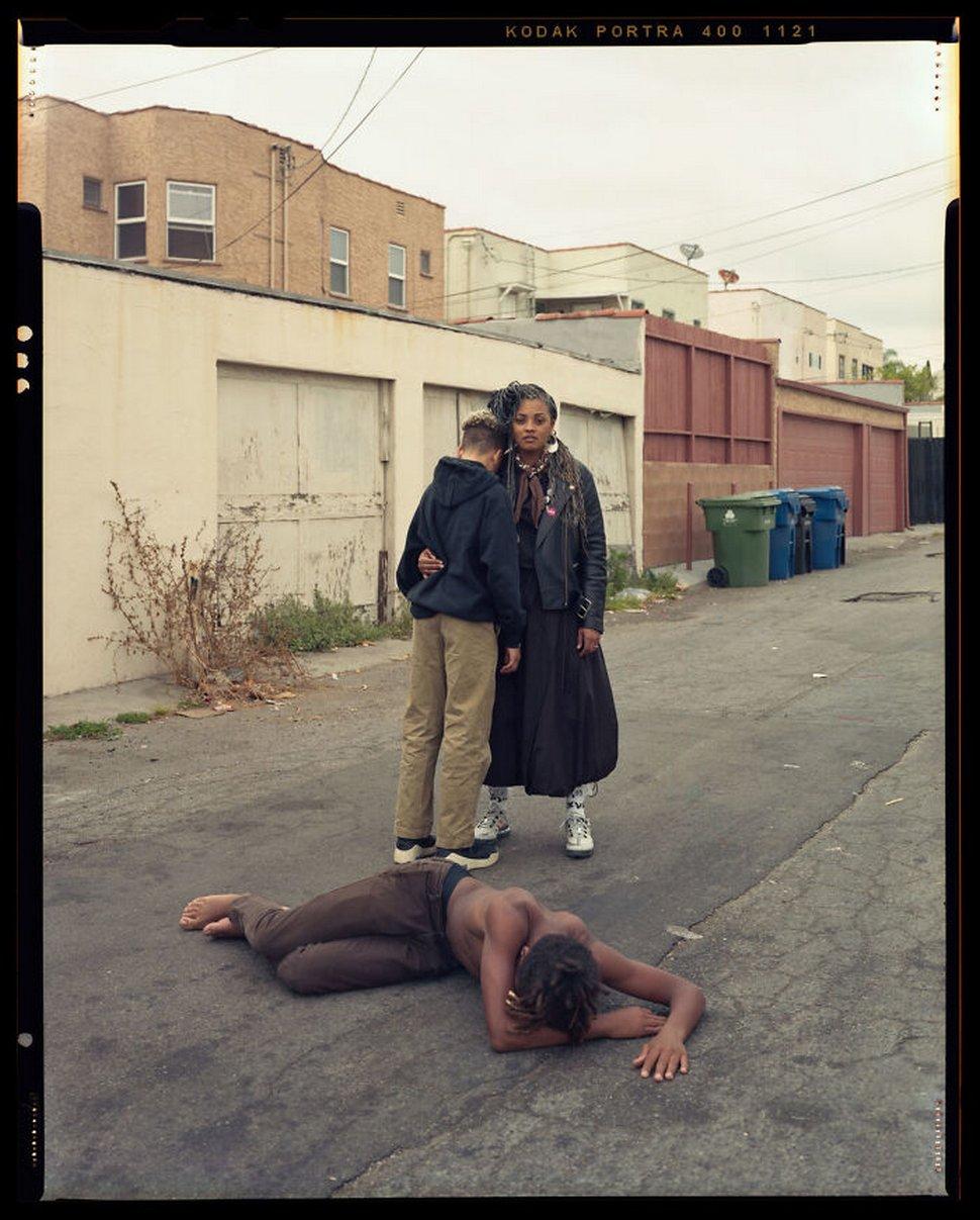 Ce photographe a mis en scène des mères noires avec leurs fils «décédés» pour protester contre la violence policière