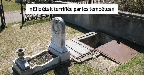 La tombe de cette fillette de 10 ans est construite avec des escaliers pour que sa mère puisse venir la réconforter pendant les tempêtes
