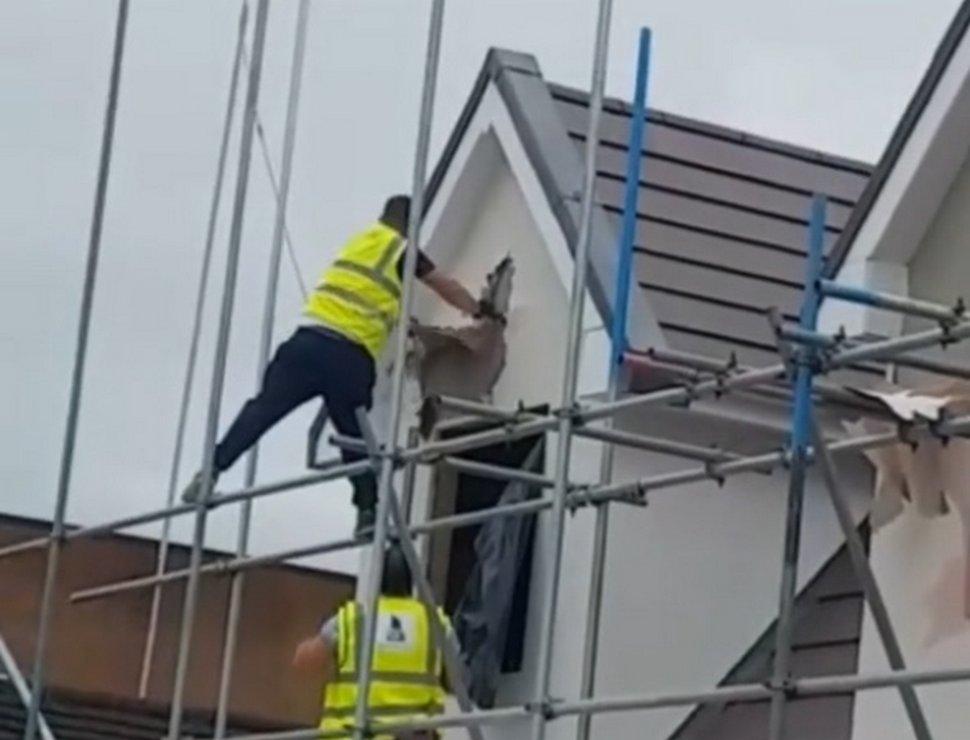 Un ouvrier furieux démolit des travaux de construction parce qu'il n'a «pas été payé»