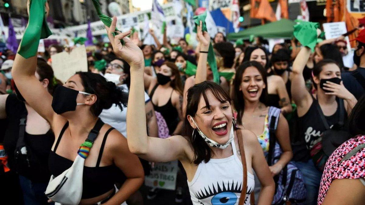 L'Argentine devient le premier grand pays d'Amérique latine à légaliser l'avortement