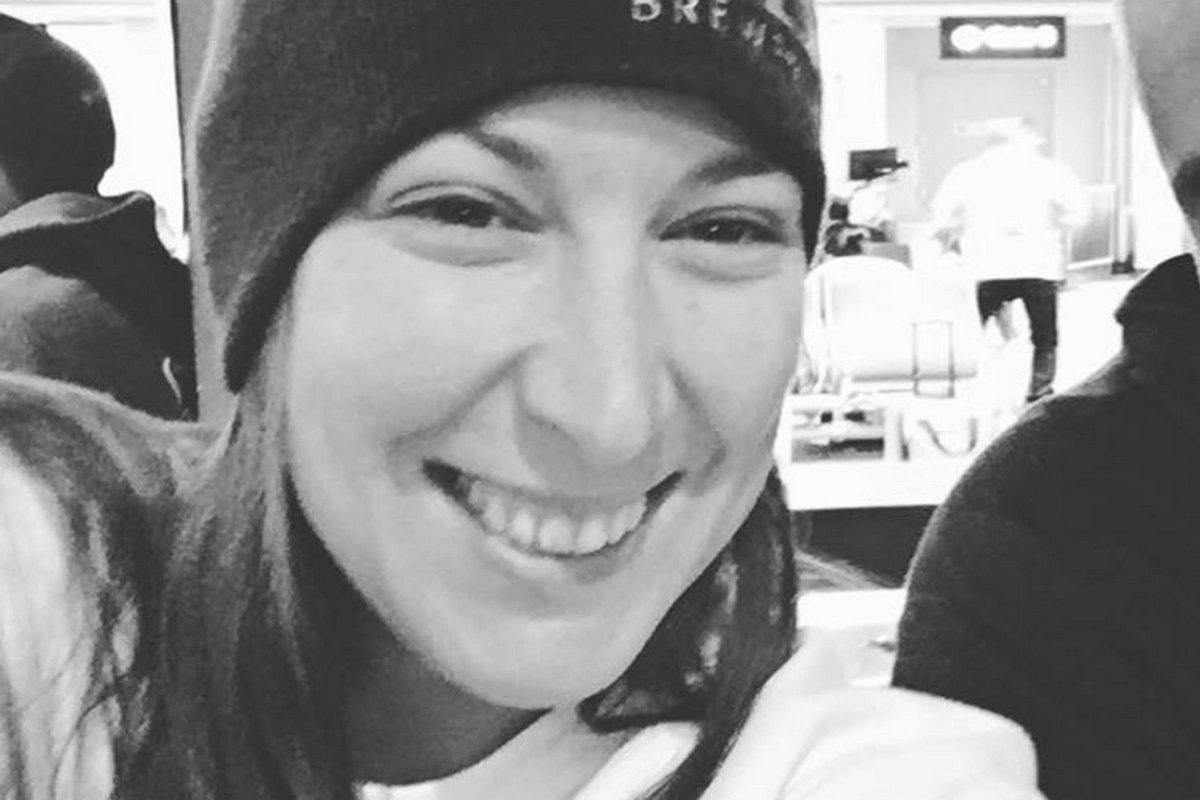 Cette partisane de Trump qui a été tuée dans le bâtiment du Capitole a tweeté «Rien ne nous arrêtera» avant d'être abattue