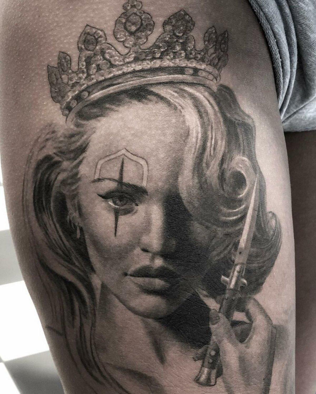 22 tatouages fascinants par un artiste suédois spécialisé dans le réalisme noir et gris ! Par Karine Larcher (Ipnoze) Tatouages-realistes-noir-gris-mrtstucklife-020