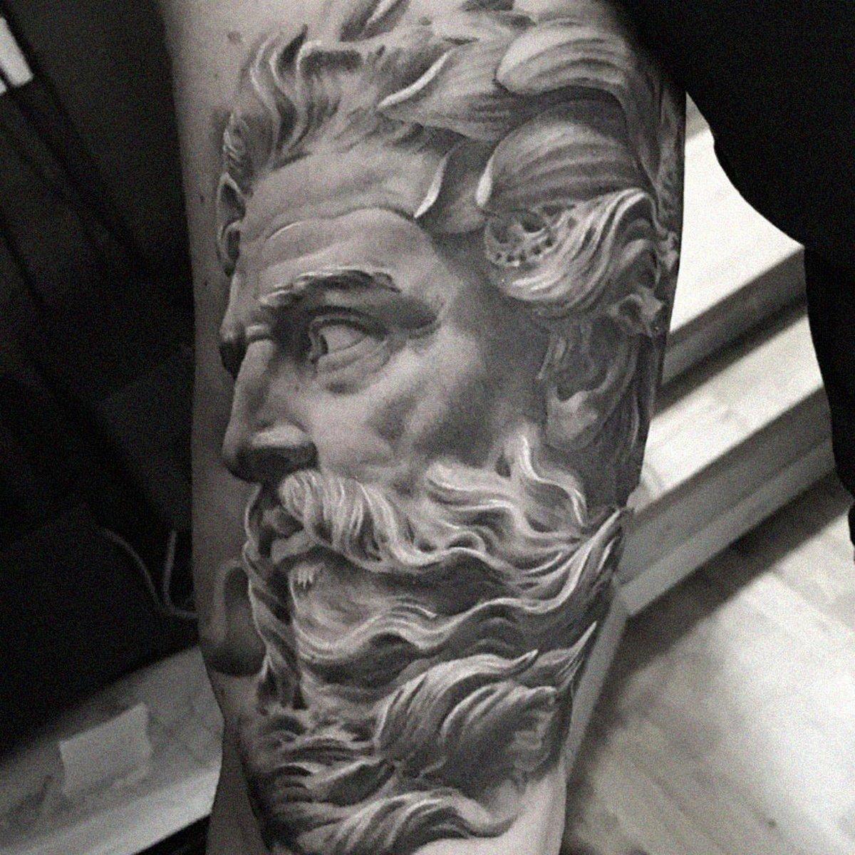 22 tatouages fascinants par un artiste suédois spécialisé dans le réalisme noir et gris ! Par Karine Larcher (Ipnoze) Tatouages-realistes-noir-gris-mrtstucklife-022