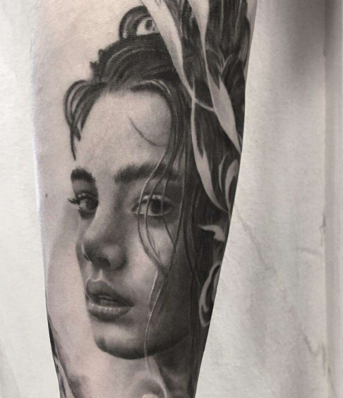 22 tatouages fascinants par un artiste suédois spécialisé dans le réalisme noir et gris ! Par Karine Larcher (Ipnoze) Tatouages-realistes-noir-gris-mrtstucklife-029
