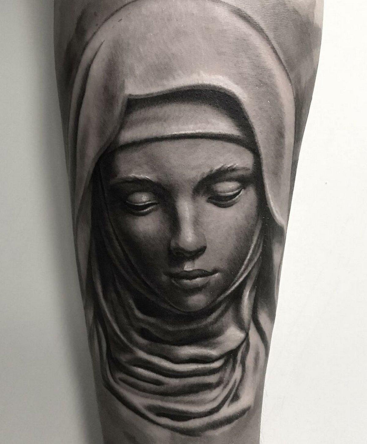 22 tatouages fascinants par un artiste suédois spécialisé dans le réalisme noir et gris ! Par Karine Larcher (Ipnoze) Tatouages-realistes-noir-gris-mrtstucklife-034