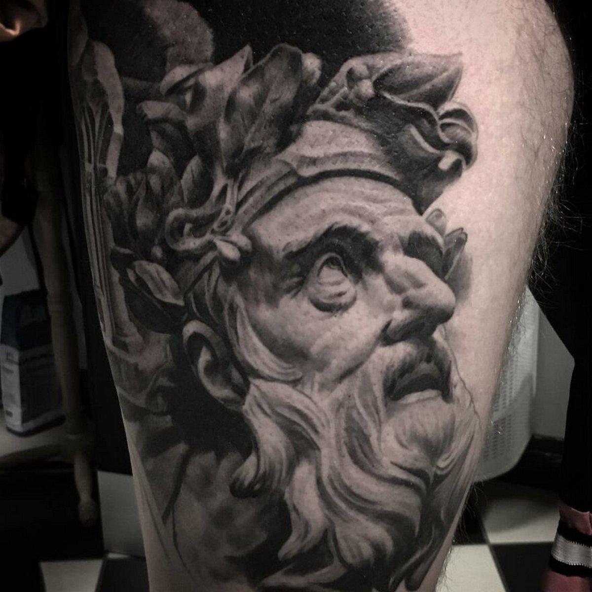 22 tatouages fascinants par un artiste suédois spécialisé dans le réalisme noir et gris ! Par Karine Larcher (Ipnoze) Tatouages-realistes-noir-gris-mrtstucklife-037