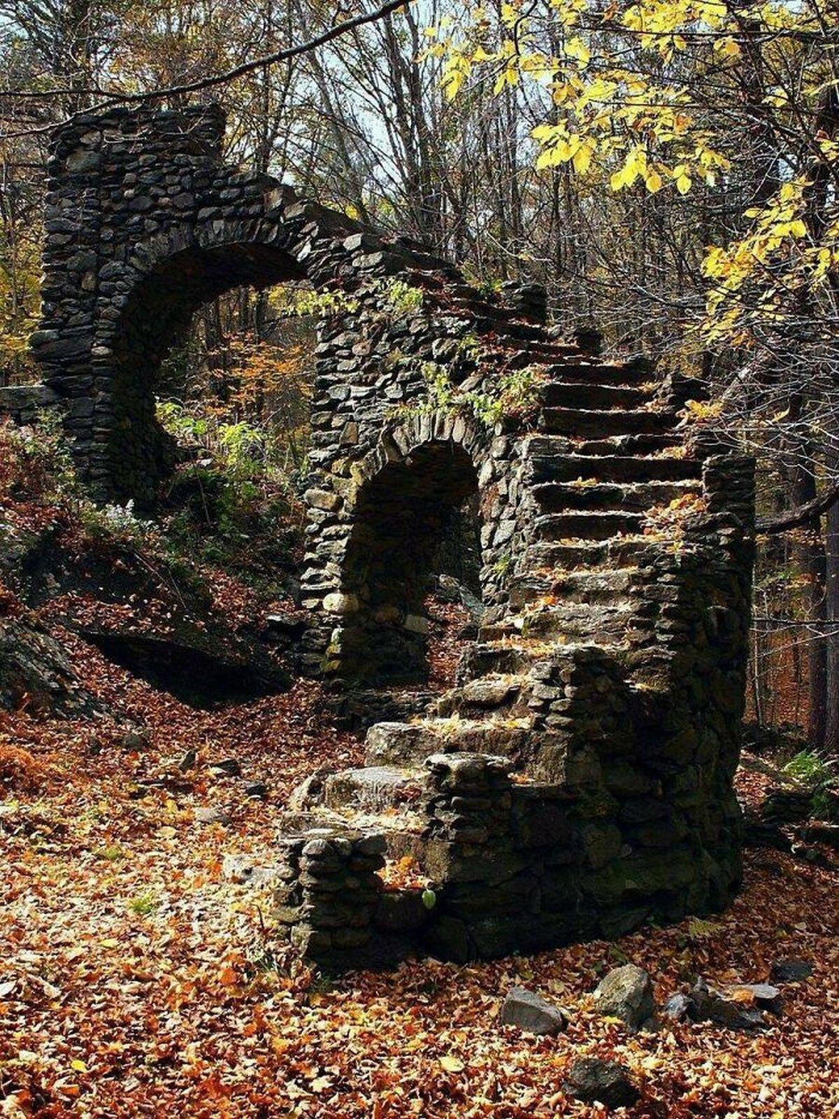 Ces images glauques de lieux abandonnés ont été partagées en ligne par des internautes