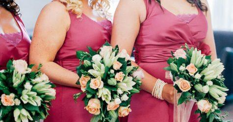 Une demoiselle d'honneur furieuse que la mariée exige qu'elle passe de la taille 12 à la taille 8 expose sa toxicité en ligne