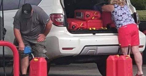 Ces photos montrent des Américains paniqués par la «pénurie d'essence» qu'ils ont créée eux-mêmes