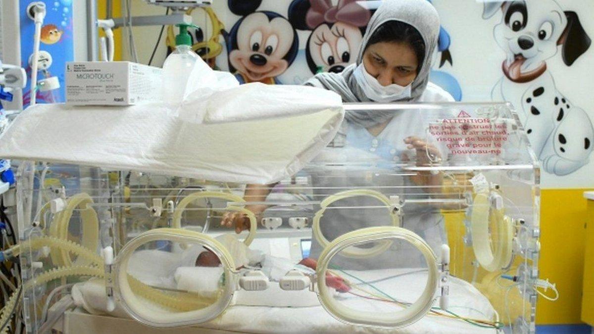 Cette femme a «battu le record du monde» après avoir donné naissance à 10 bébés