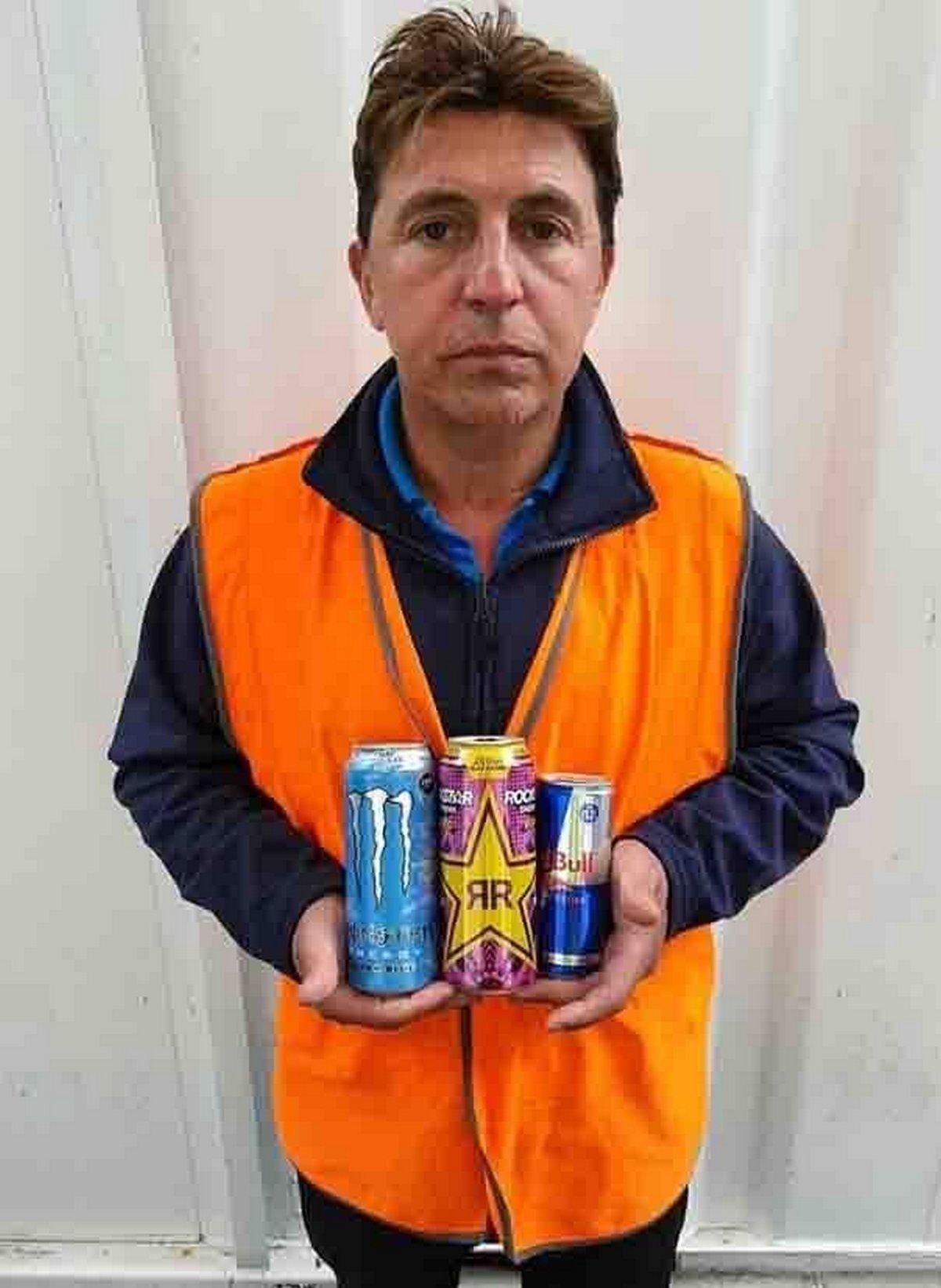 Un père lance un avertissement après avoir fait une crise cardiaque à cause des 12 canettes de boisson énergisante par jour qu'il buvait