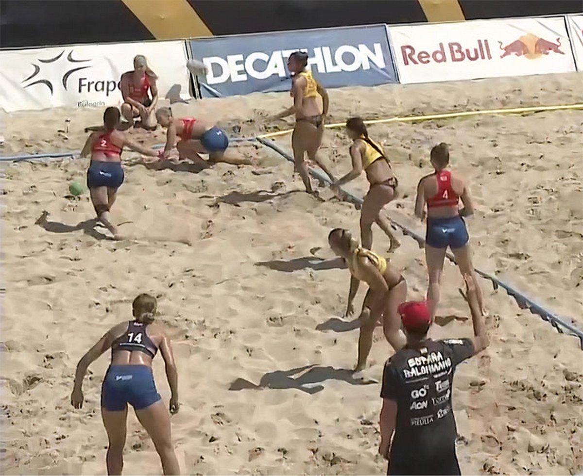 Les gens sont furieux de la décision d'infliger une amende à l'équipe féminine norvégienne de handball pour avoir choisi de porter des shorts plutôt qu'un bas de bikini