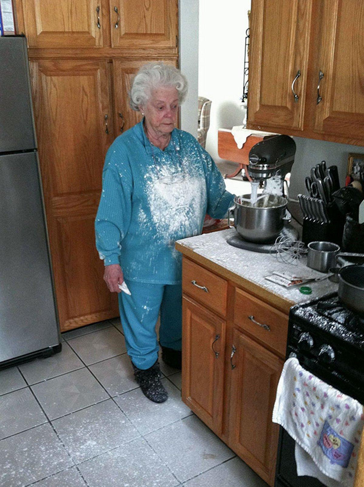 Ces personnes âgées hilarantes n'ont pas réussi à utiliser quelque chose correctement